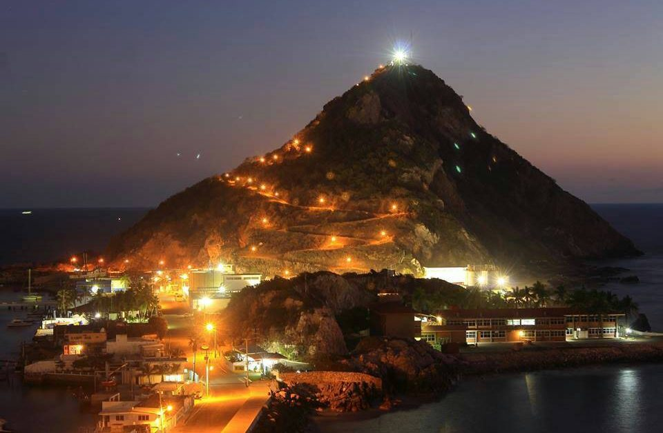 Mazatlán de noche