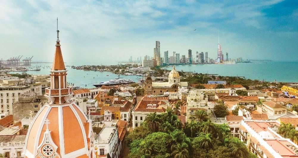 Vista panorámica de la antigua y moderna Cartagena de Indias